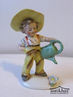A kis kertész, porcelán figura